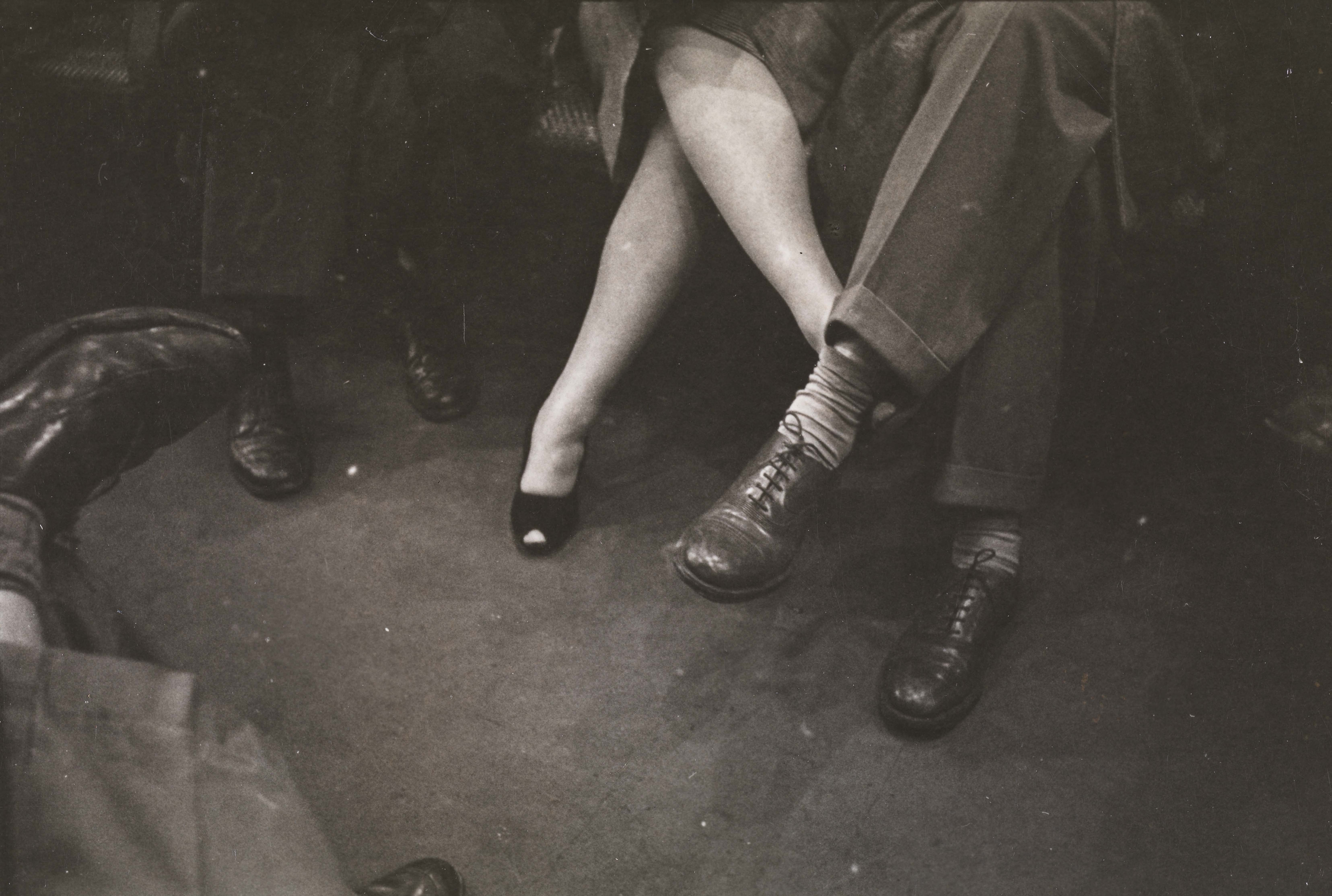 Stanley Kubrick. Life and Love on the New York City Subway. Couple playing footsies on a subway. 1946. Museum of the City of New York. X2011.4.10292.90E
