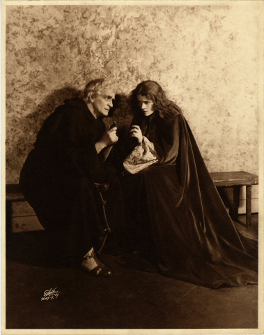 White Studio. [Sayre Crawley as Friar Laurence and Eva Le Gallinne as Juliet.] 1930. Museum of the City of New York. 50.281.290