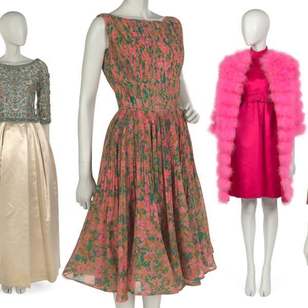 Serie de siete maniquíes, cada uno con un ejemplo diferente de una moda moderna.