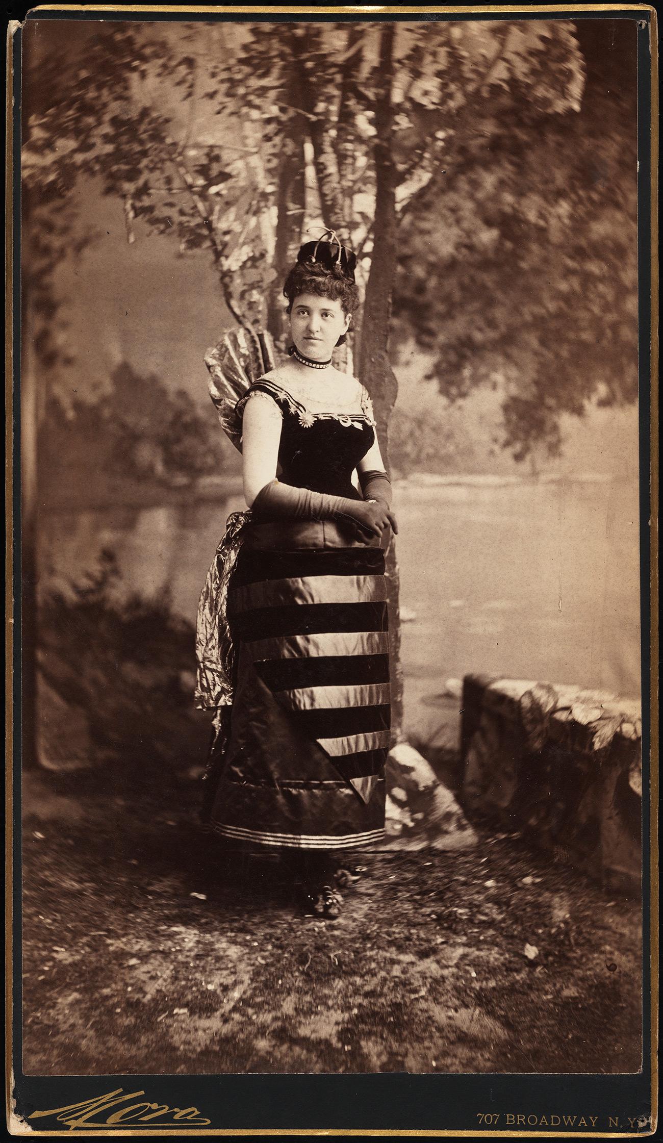 Mora (b. 1849). Mrs. William Seward Webb (neé Lila O. Vanderbilt).