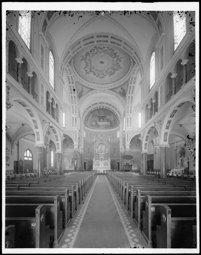 Wurts Brothers. East 137th Street and Alexander Avenue. St. Jerome's Roman Catholic Church, interior, ca. 1905. Museum of the City of New York. X2010.7.1.10472