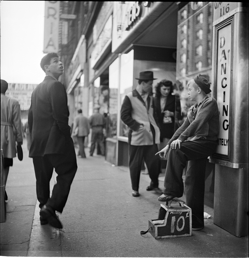 Stanley Kubrick (1928-1999). The Shoe Shine Boy, 1947. Museu da cidade de Nova York. X2011.4.10368.281