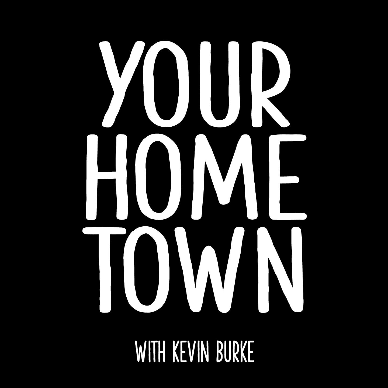 """在黑色背景上的白色字体中的单词""""与凯文·伯克的家乡"""""""