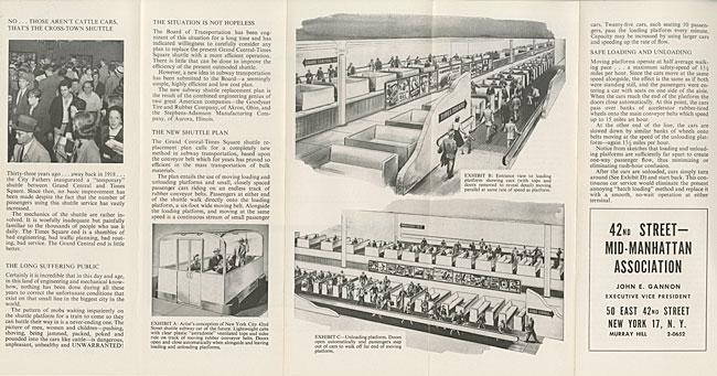 テキスト、混雑した地下鉄のプラットフォームの写真、コンベヤーの地下鉄システムのイラストを掲載したパンフレット。