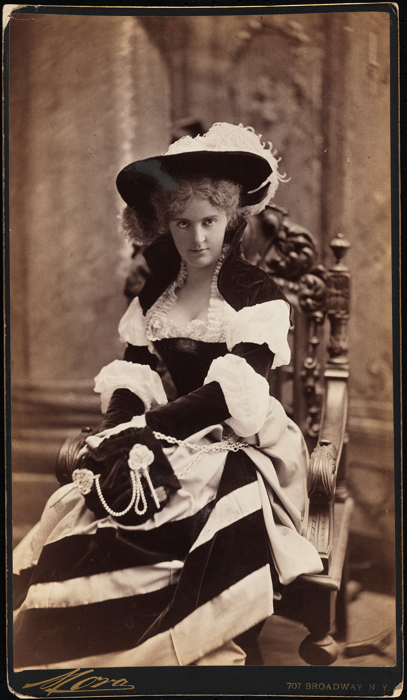 モーラ(1849年)。 ヘンリー・ルークマイヤー夫人。