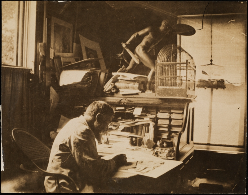 Desconhecido. Thomas Nast em sua mesa. ca. 1880. Museu da cidade de Nova York. 99.124.1