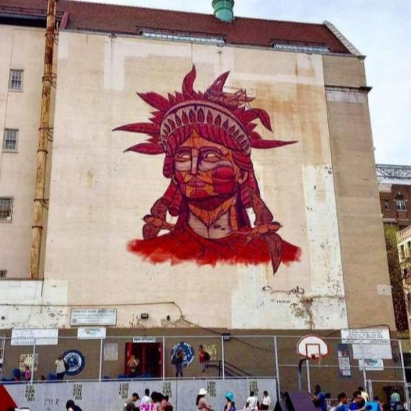 A colorful Statue of Liberty mural has been home to the Museum of the City of New York since 1932. You can see this mural yourself at the corner of Madison Avenue and 104th Street and find out what makes this neighborhood so special.