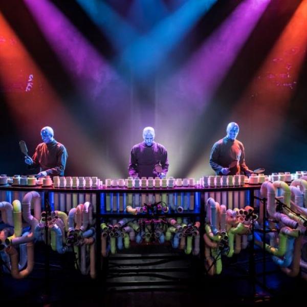 Blue Man Group en tuberías