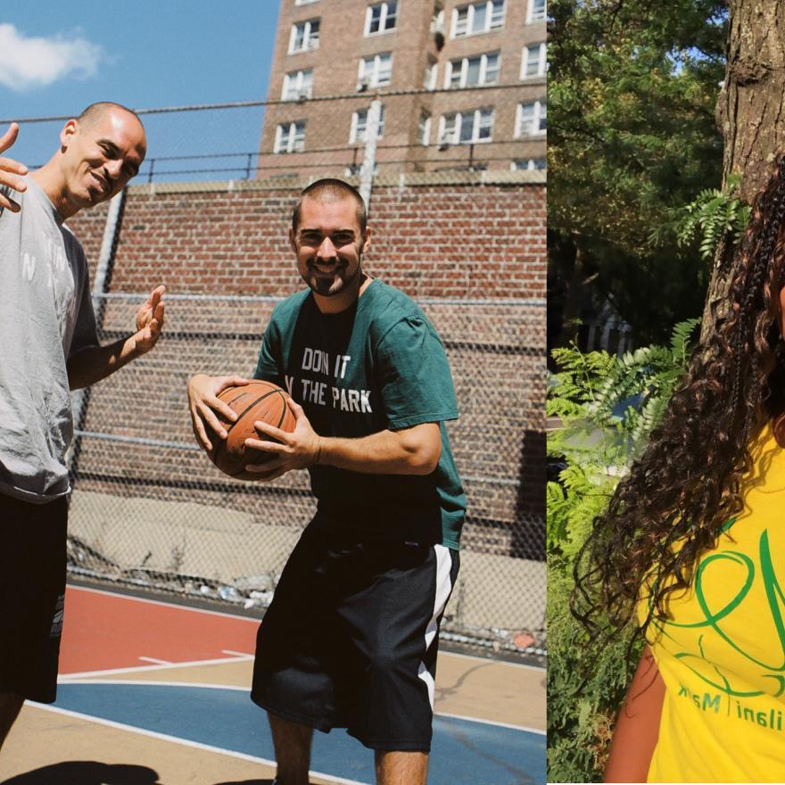 Esquerda: Imagem de Bobbito Garcia e Kevin Couliau em uma quadra de basquete. À direita: fotografia de Milani Malik de camisa amarela