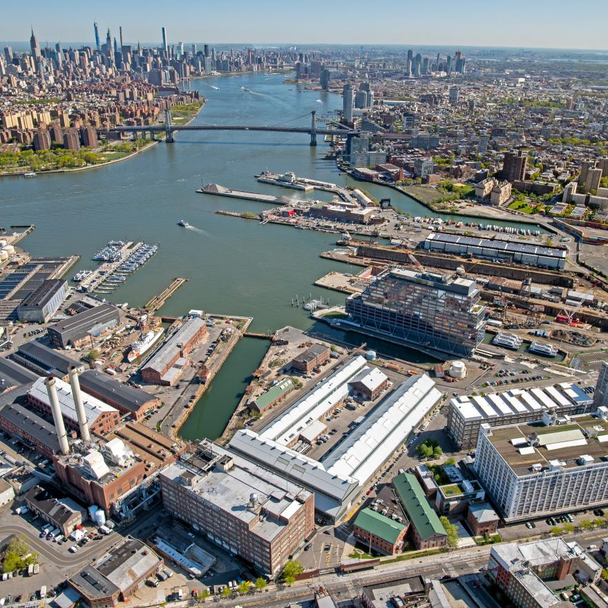 Vue aérienne de Brooklyn Navy Yard