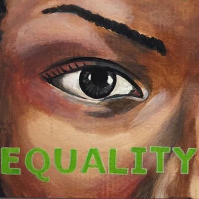 女性の目の絵のクローズアップ、その下に緑色で書かれた「平等」という言葉